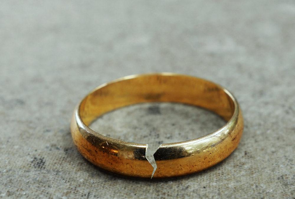 cracked wedding band